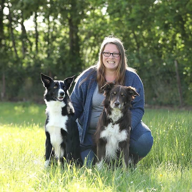 Sarah mit Hunden